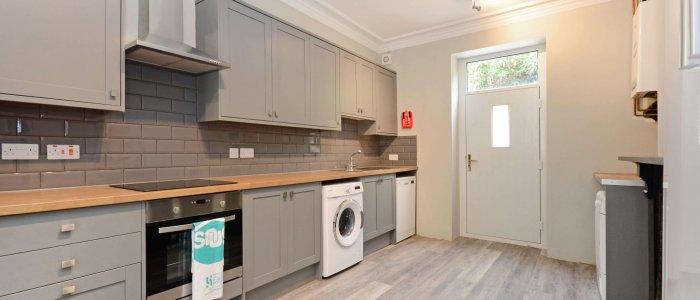 E534 Kitchen2-2